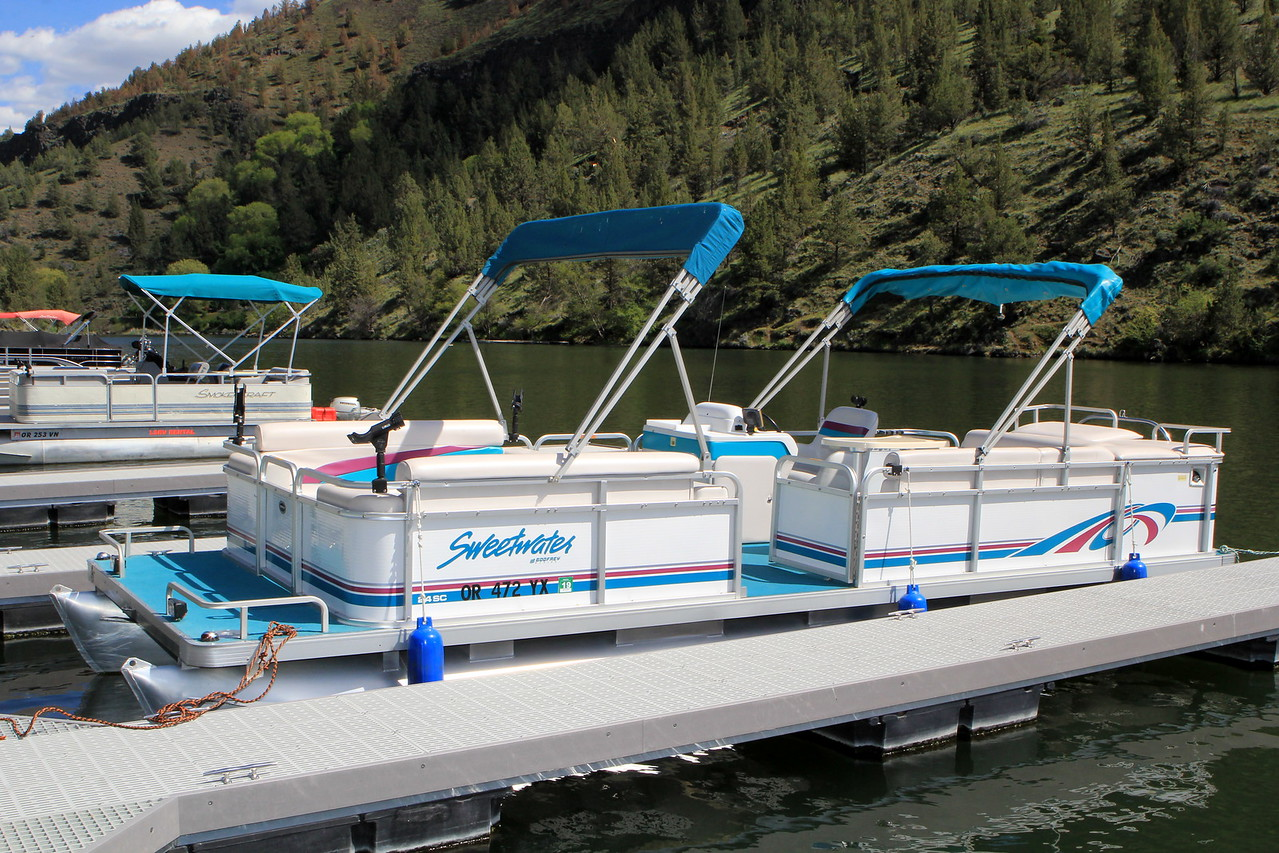 Boat Rentals at Lake Simtustus Resort